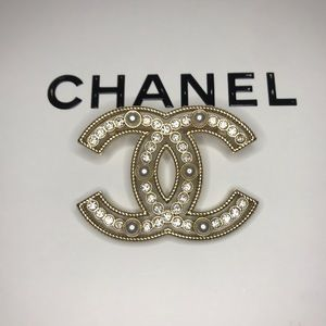 CHANEL Accessories - CHANEL Crystal Pearl CC Brooch Pin Gold. Used